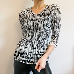 Black & White Abstract Sheer 3/4 Sleeve Blouse M